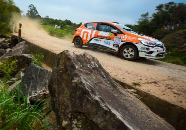 En una Rally parejo de Renault Clio Cup Uruguay, Gardiol – Varela se llevaron la victoria en Punta del Este